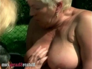 amazing  gilf  grandma