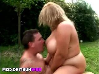 amateur  fuck  huge tits
