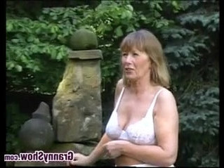 grandma   outdoor   sex