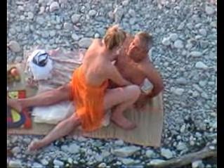 amateur  beach  daddy